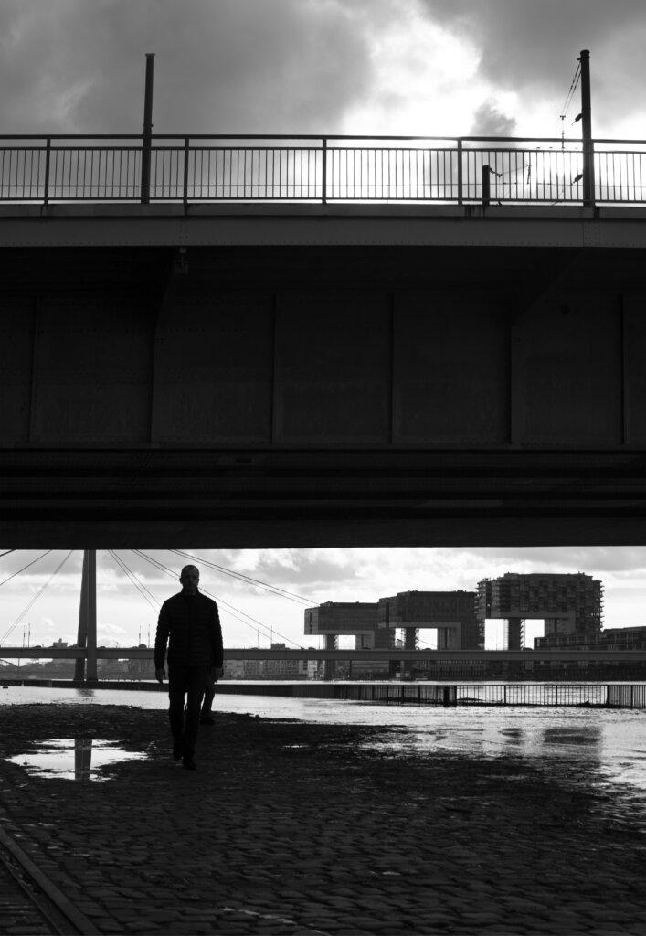 allein am Rhein